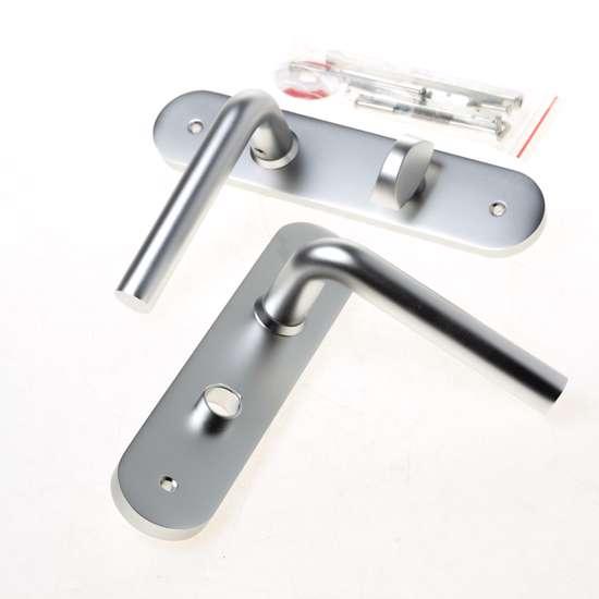 Afbeelding van Deurkrukken L model haaks 19mm met uni rozet 50x8 mm messing PVD