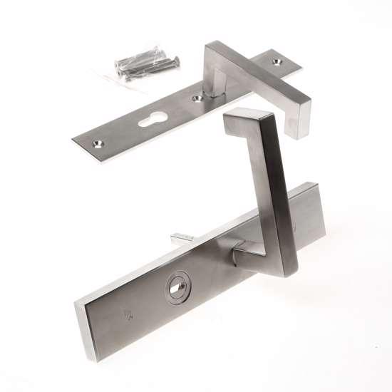 Afbeelding van Veiligheidskrukgarnituur, roestvaststaal rechthoekig, deurkruk Leira, PC72 , met verstelbare kerntrek, SKG***