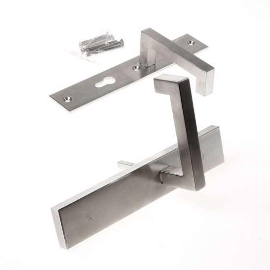 Afbeelding van Veiligheidskrukgarnituur, roestvaststaal rechthoekig, deurkruk Leira, Blind/PC72 , met verstelbare kerntrek, SKG***