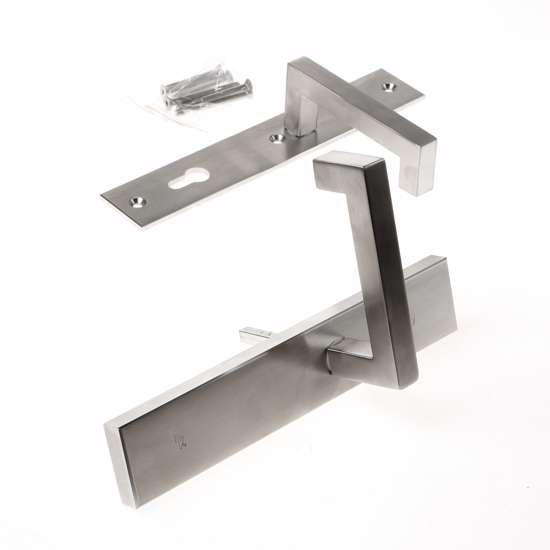 Afbeelding van Veiligheidskrukgarnituur, roestvaststaal rechthoekig, deurkruk Leira, Blind/PC92 , met verstelbare kerntrek, SKG***
